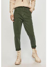 Answear Lab - Jeansy. Stan: podwyższony. Kolor: zielony. Styl: wakacyjny