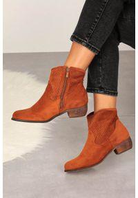 Casu - Camelowe botki kowbojki ażurowe na niskim obcasie casu d20x26/c. Kolor: brązowy. Wzór: ażurowy. Obcas: na obcasie. Wysokość obcasa: niski