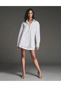 RETROFETE - Biała koszula ze zdobieniami. Kolor: biały. Materiał: bawełna. Długość: długie. Wzór: aplikacja