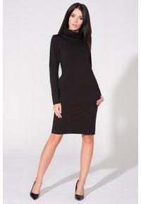 Czarna sukienka dresowa Tessita z kominem