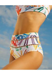 CHARO RUIZ IBIZA - Biały dół od bikini z wysokim stanem Suzzane. Stan: podwyższony. Kolor: biały. Materiał: materiał. Wzór: ażurowy, aplikacja