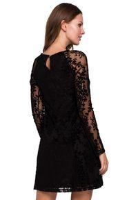 Makover - Ekskluzywna koronkowa trapezowa sukienka. Okazja: na randkę, na imprezę. Materiał: koronka. Typ sukienki: trapezowe. Styl: klasyczny, wizytowy, elegancki. Długość: mini