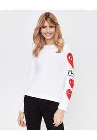 COMME DES GARCONS PLAY - Biała bluzka z logowaniem. Okazja: na co dzień. Kolor: biały. Materiał: jeans. Długość rękawa: długi rękaw. Długość: długie. Styl: casual