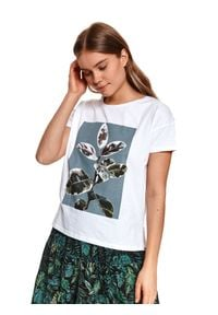TOP SECRET - T-shirt z kwiatowym nadrukiem. Okazja: na co dzień. Kolor: biały. Materiał: tkanina, bawełna. Długość rękawa: krótki rękaw. Długość: krótkie. Wzór: nadruk, kwiaty. Sezon: lato. Styl: casual