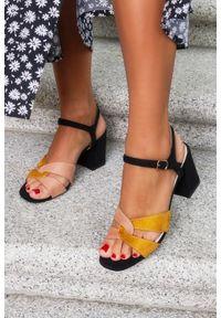 Casu - Czarne sandały casu na szerokim słupku ze skórzaną wkładką er21x18/b. Kolor: wielokolorowy, beżowy, żółty, czarny. Materiał: skóra. Obcas: na słupku