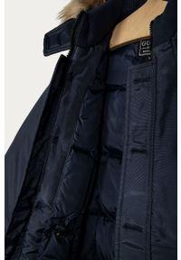 Niebieska kurtka Guess na co dzień, z kapturem, casualowa