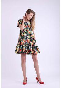Nommo - Kwiatowa Mini Sukienka w Romantycznym Stylu. Materiał: wiskoza, poliester. Wzór: kwiaty. Długość: mini