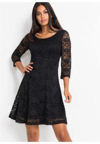 Czarna sukienka bonprix na ślub cywilny, w koronkowe wzory