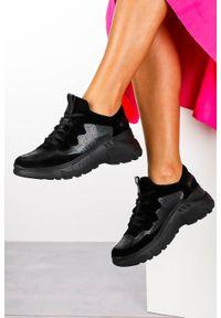 Kati - czarne sneakersy kati buty sportowe sznurowane 7037. Kolor: czarny. Materiał: skóra, zamsz. Szerokość cholewki: normalna. Obcas: na platformie