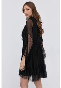 Nissa - NISSA - Sukienka. Kolor: czarny. Materiał: tkanina, koronka. Długość rękawa: długi rękaw. Wzór: gładki. Typ sukienki: rozkloszowane
