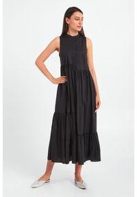 TwinSet - SUKIENKA TWINSET. Długość rękawa: bez rękawów. Typ sukienki: asymetryczne. Długość: midi