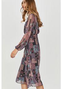 Wielokolorowa sukienka Answear Lab wakacyjna, na co dzień