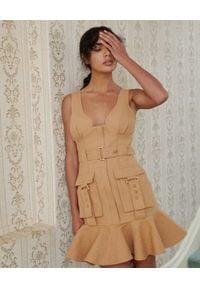 ACLER - Beżowa sukienka mini Vermont. Kolor: beżowy. Materiał: bawełna, tkanina, len. Długość rękawa: na ramiączkach. Wzór: kolorowy. Sezon: lato. Typ sukienki: dopasowane. Styl: elegancki. Długość: mini