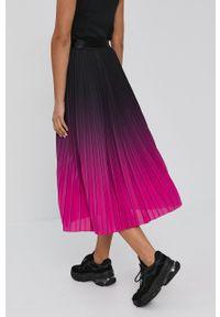 Nissa - NISSA - Spódnica. Okazja: na co dzień. Kolor: różowy. Materiał: tkanina. Styl: casual