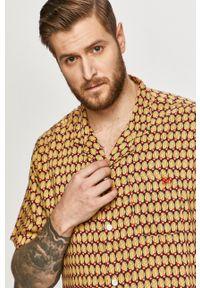 Levi's® - Levi's - Koszula. Okazja: na spotkanie biznesowe. Kolor: żółty. Materiał: tkanina. Długość rękawa: krótki rękaw. Długość: krótkie. Styl: biznesowy