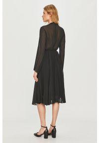 Samsoe & Samsoe - Samsoe Samsoe - Sukienka. Kolor: czarny. Materiał: tkanina. Długość rękawa: długi rękaw. Wzór: gładki. Typ sukienki: plisowane #6