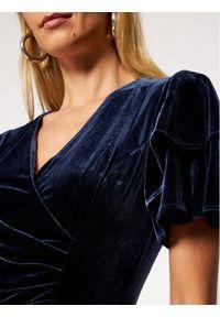 Niebieska sukienka koktajlowa DKNY wizytowa
