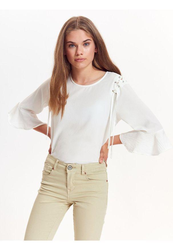 Biała bluzka TROLL na lato, na co dzień, casualowa, z krótkim rękawem