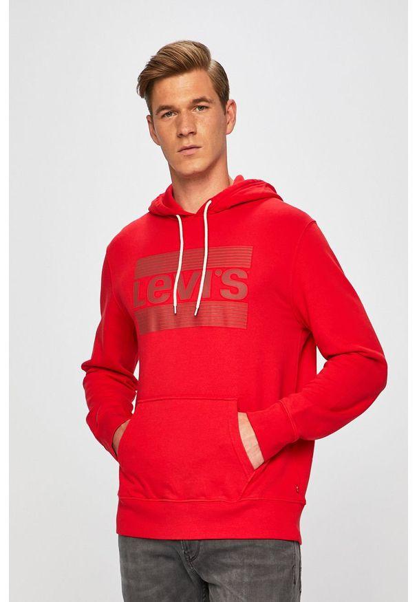 Czerwona bluza nierozpinana Levi's® biznesowa, z kapturem, na spotkanie biznesowe, z nadrukiem