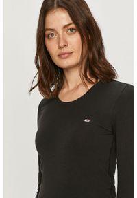 Czarna bluzka z długim rękawem Tommy Jeans z aplikacjami, casualowa, na co dzień