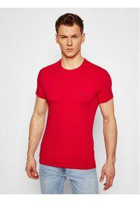 VERSACE - Versace T-Shirt Girocollo AUU04023 Czerwony Slim Fit. Kolor: czerwony