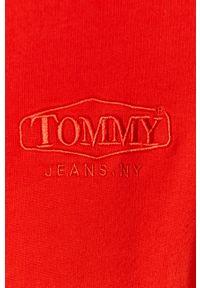 Czerwona bluza nierozpinana Tommy Jeans krótka, na co dzień