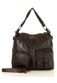 Czarna torebka na ramię, skórzana