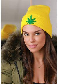 Żółta czapka IVET na jesień
