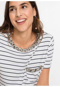 Shirt w paski z tweedową lamówką bonprix ciemnoniebiesko-biały w paski. Kolor: niebieski. Długość rękawa: krótki rękaw. Długość: krótkie. Wzór: paski