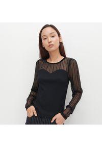 Czarna bluzka Reserved w koronkowe wzory