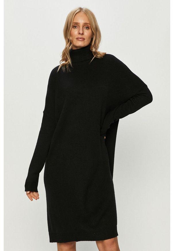 Czarna sukienka Vila na co dzień, z golfem, casualowa, prosta