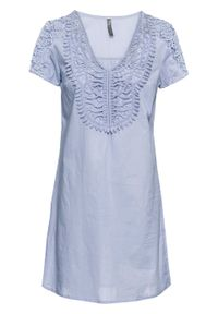 Niebieska sukienka bonprix w koronkowe wzory, z dekoltem w serek