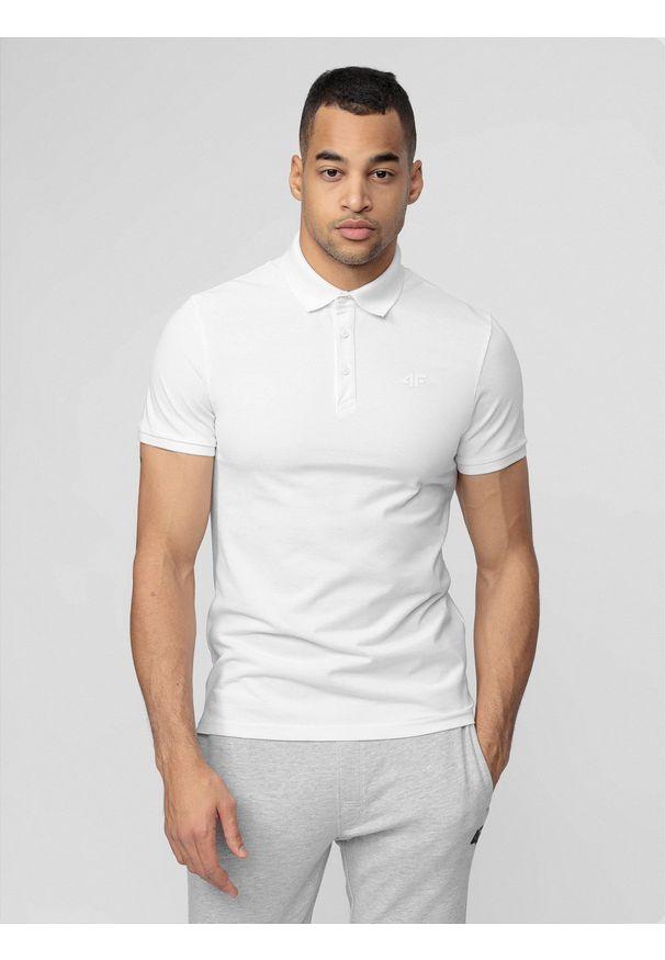 4f - Koszulka polo męska. Okazja: na co dzień. Typ kołnierza: polo. Kolor: biały. Materiał: dzianina. Styl: casual