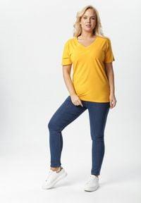 Born2be - Żółty T-shirt Genilin. Kolor: żółty