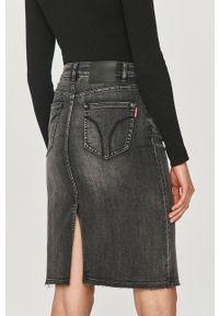 Miss Sixty - Spódnica jeansowa. Okazja: na co dzień. Kolor: szary. Materiał: jeans. Styl: casual