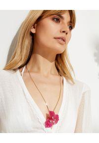 AQUAZZURA - Naszyjnik Bougainvillea z kryształami. Materiał: pozłacane. Kolor: różowy, wielokolorowy, fioletowy. Wzór: kwiaty, aplikacja. Kamień szlachetny: kryształ