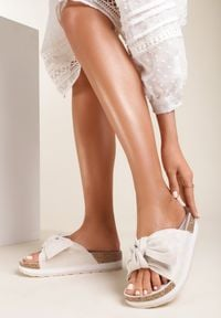 Renee - Beżowe Klapki Paphorise. Nosek buta: otwarty. Kolor: beżowy. Sezon: lato
