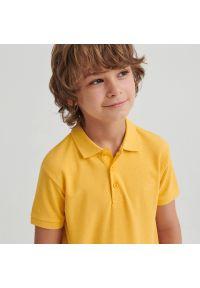 Reserved - Bawełniana koszulka polo - Beżowy. Typ kołnierza: polo. Kolor: beżowy. Materiał: bawełna