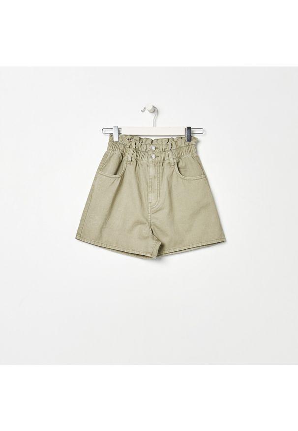 Sinsay - Szorty jeansowe paperbag - Brązowy. Kolor: brązowy. Materiał: jeans