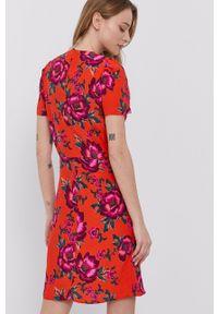 Morgan - Sukienka. Okazja: na co dzień. Kolor: pomarańczowy. Materiał: tkanina. Typ sukienki: proste. Styl: casual #3