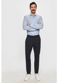 Emanuel Berg - Koszula. Typ kołnierza: kołnierzyk włoski. Kolor: niebieski. Materiał: tkanina. Wzór: gładki
