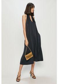 Samsoe & Samsoe - Samsoe Samsoe - Sukienka. Kolor: niebieski. Materiał: tkanina, poliester. Wzór: gładki. Typ sukienki: rozkloszowane