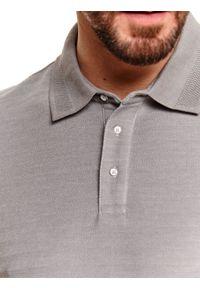 Szary t-shirt TOP SECRET polo, gładki