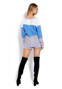 Sweter w kolorowe wzory