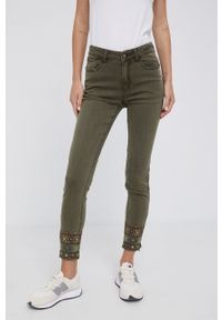 Desigual - Spodnie. Kolor: zielony. Materiał: bawełna, materiał. Wzór: haft