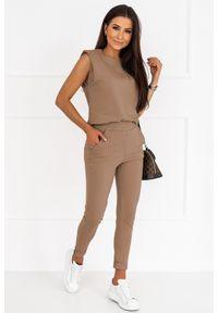 IVON - Dresowy Komplet Bluzka + Spodnie - Mocca. Materiał: dresówka