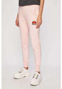 Różowe spodnie dresowe Ellesse z nadrukiem
