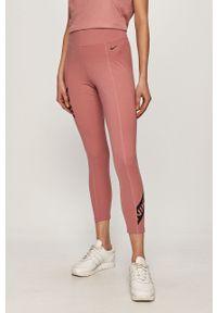 Różowe legginsy Nike z nadrukiem