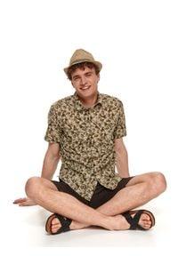 TOP SECRET - Męski słomkowy kapelusz. Kolor: beżowy. Materiał: materiał. Wzór: aplikacja. Sezon: lato. Styl: klasyczny, wakacyjny