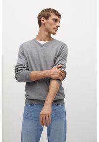 Mango Man - Sweter TENV. Okazja: na co dzień. Kolor: szary. Materiał: dzianina. Długość rękawa: długi rękaw. Długość: długie. Styl: casual